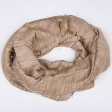 Šátek z hedvábí a lnu